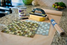 Tiles on Tires? Come see all the fun and interesting ways tiles are used in mosaics! Diy Projects To Try, Crafts To Do, House Projects, Design Crafts, Decor Crafts, Diy Nursery Decor, Cement Crafts, Diy Coasters, Diy Christmas Gifts
