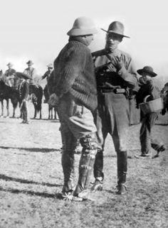 Generales Francisco Villa y Felipe Angeles