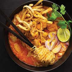 Chiang Mai Noodle Soup or Khao Soi- Marion's Kitchen Kitchen Recipes, Soup Recipes, Cooking Recipes, Cooking Tips, Pickled Mustard Greens, Crispy Wonton, Khao Soi, Asian Recipes, Ethnic Recipes