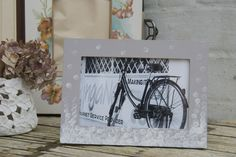 Beautiful hand painted photo frames from www.youaresmashing.com