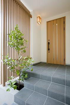 Modern Entrance Door, Main Entrance Door Design, House Entrance, Japanese Modern House, Japanese Door, Bungalow House Design, House Front Design, Bedroom Minimalist, Minimal House Design