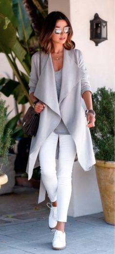 Oxford Branco! Ele substitui bem o tênis branco, o resultado fica bem parecido e dá para usar praticamente com os mesmos looks, com uma diferença: fica mais estiloso e cool!
