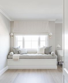 Fresh White Contemporary Bed Of Bedroom Window Seat Designs Luxury Girl S Built In Desk Contemporary - Home Design ideas Home Decor Bedroom, Master Bedroom, Bedroom Furniture, Bedroom Sets, Bedroom Benches, Bedroom Nook, Diy Bedroom, White Bedroom, Bedroom Windows