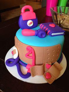 Dr mc stuffin mini cake