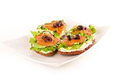 pizza raw-vegana Raw Vegan Recipes, Avocado Toast, Pizza, Breakfast, Food, Morning Coffee, Meals, Yemek, Morning Breakfast
