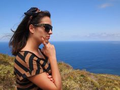 Sarai Pais llevando SABRE de Sunglass Island In This Moment, Island, Sunglasses, People, Canary Islands, Islands, Shades, People Illustration, Wayfarer Sunglasses