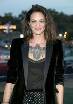 Asia Argento Photos - Asia Argento attends the Saint Laurent show as part of the Paris Fashion Week Womenswear Spring/Summer 2018 on September 2017 in Paris, France. Rock Star Hair, Female Rock Stars, Marie Antoinette 2006, Asia Argento, Italian Actress, Models, Spring Summer 2018, Beautiful Actresses, Front Row