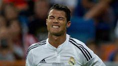 """Quand Cristiano Ronaldo """"tape dans un joueur"""" (vidéo) - http://www.actusports.fr/119196/cristiano-ronaldo-tape-joueur-video/"""