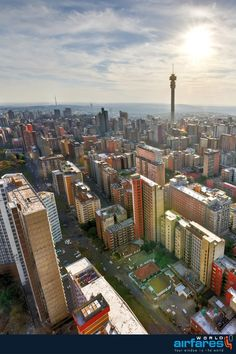 Johannesburg Skyline, Art Deco, Last Minute Travel, Places To Travel, Travel Destinations, Travel News, Africa Travel, South Africa, Landscape Photography