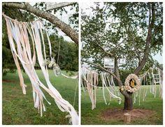 I love this tree!!!! So fab! Rustic Electic Fall Wedding - Lauryn Galloway Wedding Photographer