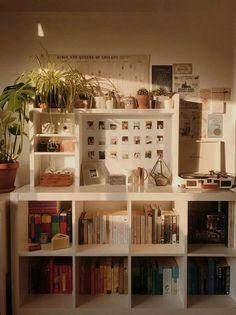 6 Creative Tips for Enlarging a Small Bedroom - Bedoom Ideas - Zimmer Einrichten Bedroom Vintage, Vintage Room, Vintage Stil, Vintage Industrial, Industrial Bedroom, Style Vintage, Fashion Vintage, Industrial Style, My New Room