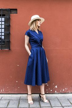 b28d41c493a78 It s dress o clock! Every wardrobe needs the gorgeous navy summer casual  dress with