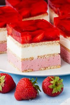 See 20 of the best Ikea Kallax Hacks ideas and the different ways you can DIY them for your home. Cute Desserts, Frozen Desserts, Delicious Desserts, Yummy Food, Yummy Snacks, Polish Desserts, Polish Recipes, Cookie Recipes, Dessert Recipes