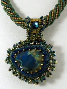 Green and gold Spectrolite necklace