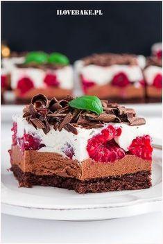 Ciasto czekoladowe z malinami Sweet Desserts, Sweet Recipes, Delicious Desserts, Cake Recipes, Snack Recipes, Dessert Recipes, Yummy Food, Different Cakes, Sweets Cake