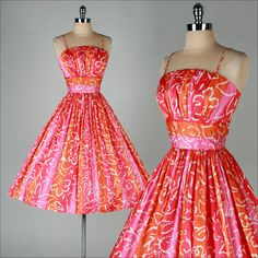 Vintage orange and pink abstract floral cotton dress 1950s Outfits, Pin Up Outfits, Vintage Outfits, Fashion Outfits, Vintage 1950s Dresses, Retro Dress, 1960s Fashion, Vintage Fashion, Posh Clothing