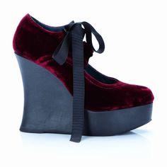 The Glossy Mag Fashion Blog: [FASHION & LOOK] CASTAÑER SI ISPIRA ALLE EROINE ROMANTICHE DELLA LETTERATURA