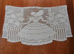 Southern Belle Filet Crocheted Lace Chair Tidy Doily Antimacassar
