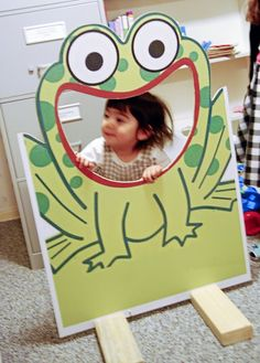 Frog bug photobooth cut out design pattern idea party photography kids child birthday toddler baby summer picnic proncess toad