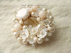 sold out:白い小花のブローチ(K0244) Bead Jewellery, Hair Jewelry, Pendant Jewelry, Beaded Jewelry, Jewelery, Beaded Bracelets, Pearl Embroidery, Embroidery Jewelry, Beaded Brooch