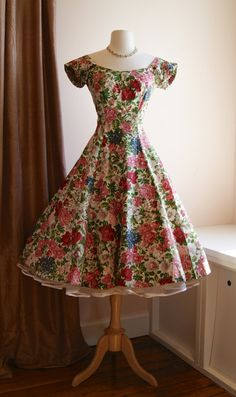 319cb228dd50 50 s Dress    Vintage 1950 s Floral Garden Party by xtabayvintage