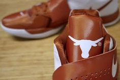 "new product 371fb 26335 Nike Zoom KD IV ""Texas Longhorns"" Sneake Kd Sneakers, Sneakers Fashion, Shoe"