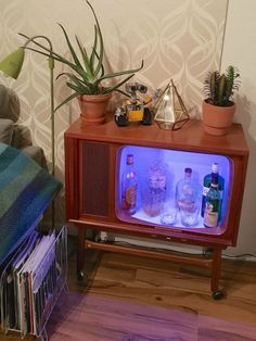 This Vintage TV is transformed into something truly stunning
