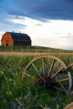 ::sigh:: a farm house and wheel.  I need to add this to my own collection.