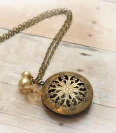 Hey, I found this really awesome Etsy listing at https://www.etsy.com/listing/88058505/victorian-locket-antique-locket-jewelry