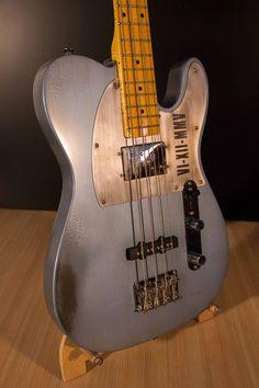 Telecaster Bass Design: Cristh Rod Guitars  www.cristhrodguitars.com Telecaster Bass, Giuseppe Zanotti Shoes, Pedalboard, Bass Guitars, Cool Guitar, Music Instruments, Design, Guitar, Design Comics