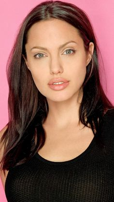Beautiful Angie Jolie !