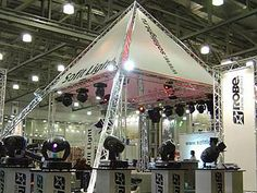 Amazing Quick Truss Displays that can give your trade show a sparkling look.