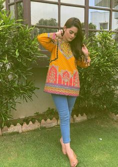 winning summer style game like always Beautiful Dress Designs, Stylish Dress Designs, Stylish Dresses, Casual Dresses, Formal Dresses, Pakistani Party Wear Dresses, Pakistani Wedding Outfits, Stylish Girl Images, Stylish Girl Pic