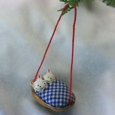 Ornaments Made From Walnut Shells - A Bed for Tiny Kittens