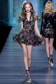 Christian Dior Spring 2010 Ready-to-Wear - Collection - Gallery - Style.com