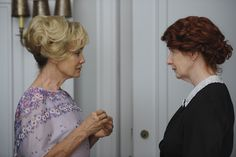 Picture: Jessica Lange and Frances Conroy in 'American Horror Story.' Pic is in a photo gallery for Jessica Lange featuring 39 pictures. Moira Ahs, Moira O Hara, American Horror Stories, American Horror Story Seasons, Michael Chiklis, Frances Conroy, Pilot, Anthology Series, Curl Styles