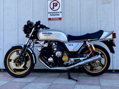 Honda CBX 1000- for sale alexgorilas@gmail.com Honda Cbx, Motorcycle, Vehicles, Rolling Stock, Motorcycles, Vehicle, Motorbikes, Engine, Tools