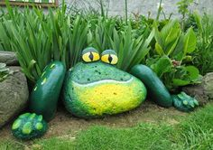 these are the BEST DIY Garden & Yard Ideas Painted Frog Rocks.these are the BEST DIY Garden & Yard Ideas! The post Painted Frog Rocks.these are the BEST DIY Garden & Yard Ideas appeared first on Garten ideen. Garden Yard Ideas, Garden Crafts, Garden Projects, Garden Decorations, Backyard Ideas, Garden Bed, Balcony Ideas, Yard Art Crafts, Diy Yard Decor