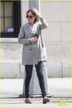 Dakota Johnson Chopped Off Her Hair - See the Pics!