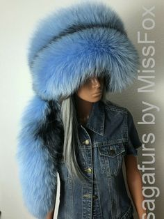 Dyed in baby blue. Cylinder shape hat with a detachable tail. Fits for M to L( head circumference). Available custom size and color. Black Lace Gloves, Fox Hat, Fur Accessories, Cylinder Shape, Long Gloves, Crochet Fox, Wet Look, Mitten Gloves, Baby Hats