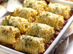 Pesto lasagna rolls - Rolled vegetarian lasagna with pesto and sweet potatoes - roll-ups