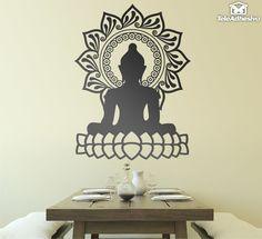 Buda es símbolo de espiritualidad y flor de loto es suerte.