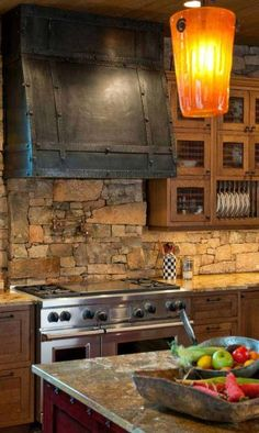 Rustic Stone Kitchen Woohome - 22 Stunning Stone Kitchen Ideas Bring A Natural Feeling Into The Modern Homes Rustic Kitchen Design, Home Decor Kitchen, New Kitchen, Kitchen Ideas, Granite Kitchen, Kitchen Grey, Glass Kitchen, Rustic Backsplash Kitchen, Kitchen Vent