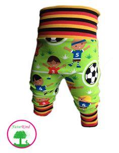 "Lillestoff  ""soccer"" Bio Pumphose Fußball WM   von NaturKind auf DaWanda.com"