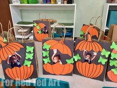 Easy Pumpkin Treat Bags for Preschool - Red Ted Art Easy Pumpkin Treat Bags for Preschool. Fun Personalised Treat Bags for Halloween or Thanksgiving. Cute photo pumpkin keepsakes for toddlers and preschoolers Photo Halloween, Theme Halloween, Halloween Crafts For Kids, Halloween Activities, Autumn Activities, Easy Crafts For Kids, Toddler Crafts, Fall Halloween, Halloween Mignon