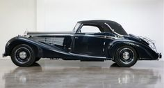 1933 Maybach - DS 8 Zeppelin Cabriolet More - Autos 2019 Maybach Car, Black Steel Wheels, Vintage Cars, Antique Cars, Mobiles, Old Classic Cars, Collector Cars For Sale, Vintage Classics, Car Manufacturers