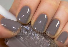 "the greatest of all essie colors. currently wearing it! nails Essie ""Chinchilly"" - The Beauty Thesis Gray Nails, Love Nails, How To Do Nails, Pretty Nails, Fun Nails, Gradient Nails, Essie Nail Colors, Nail Polishes, Nagellack Trends"