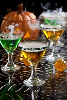 Awesome ideas for decorating your Halloween drinks