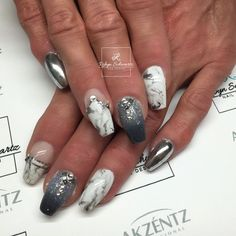 Chrome and marbled gel coffin nails