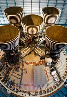 Saturn V Rocket S-II (2nd stage) and cluster of 5 J-2 engines. #Apollo #rocket #nozzle